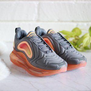 NEW Nike Air Max 720 Sneakers